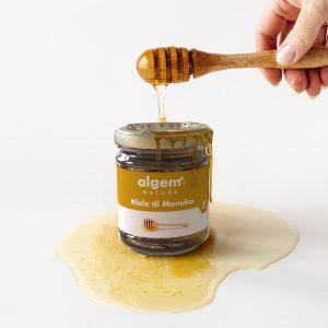 Il miele di manuka è un miele prezioso che lenisce il mal di gola, agisce contro il raffreddore e disinfetta le ferite.